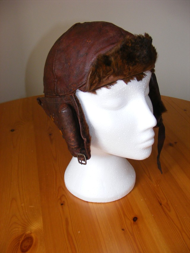 Artefact - Flying helmet 1