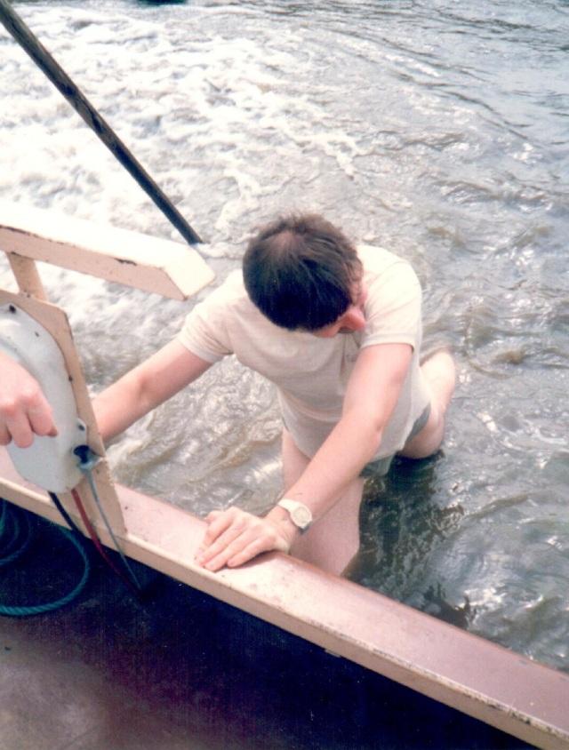 geoff pushing boat 2